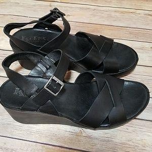 Korks Kork Ease black platform sandals